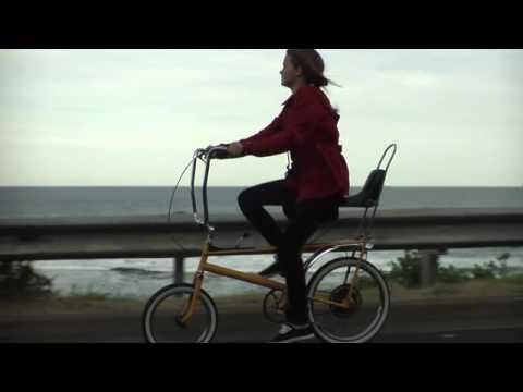 firekites-same-suburb-different-park-official-video-2008-matt-richards
