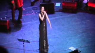 DULCE PONTES LIVE AT PALACE MUSIC HALL OF THESSALONIKI GREECE(25-05-2009)penny kiosse