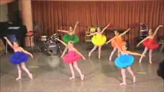 Barbie y las doce princesas bailarinas