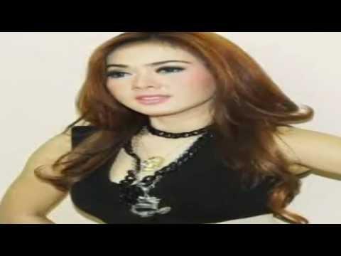 Download Video Syahrini Goyang Morena Heboh 2014