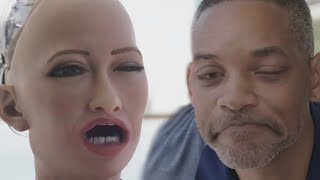 Sophia La Robot VS. El NegroSmith - Parodia