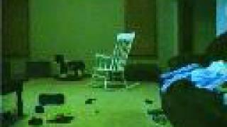 la mesedora que se mueve sola