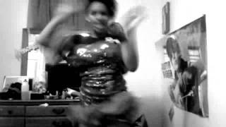 lmfao a chikka salsa dancin (: