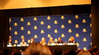 Once upon a time panel Dragoncon 2014-singing