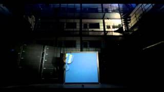 Avicii - The True Reveal [GLASS BREAKS] (Live footage)