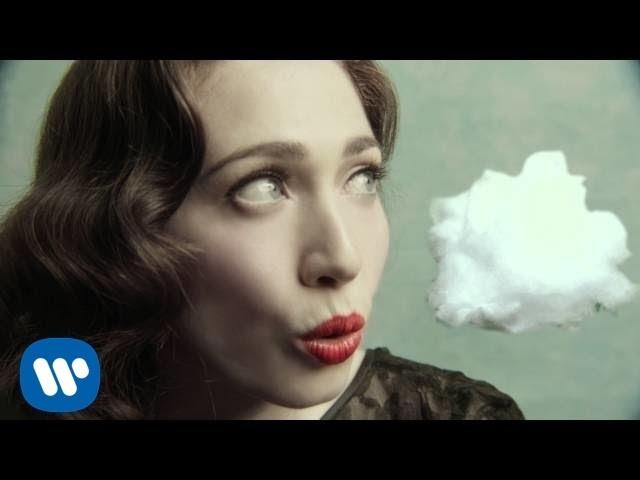 "Vídeo oficial de ""How"" de Regina Spektor"