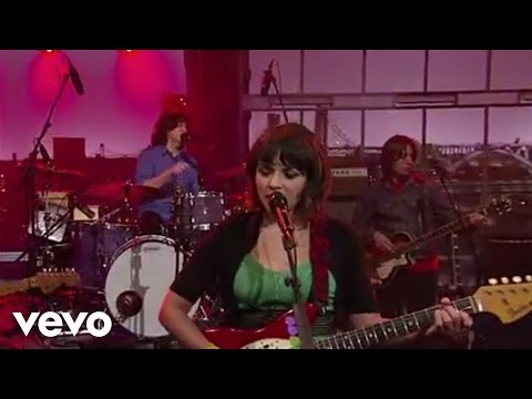 norah-jones-come-away-with-me-live-on-letterman-norahjonesvevo