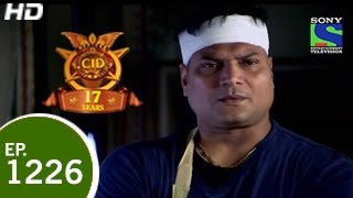 CID - Haweli Mein Daya - Episode 1226 - 9th May 2015 width=