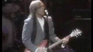 Guns N' Roses - Heartbreak Hotel (Feat Tom Petty)