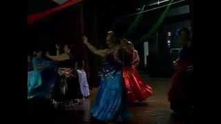 Grupo Misterios do Oriente dança na Festa Mistica