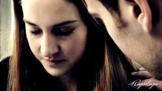 Tris & Four || War.