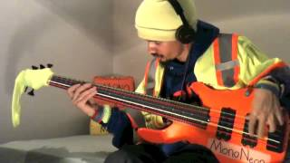 "MonoNeon :: Microtonal Bass :: (""FREEAK HER IN QUARTER TONES"")"