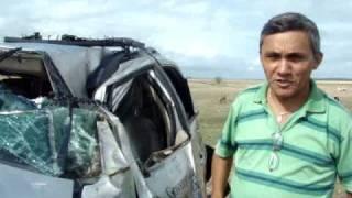 Pinheirinho apresenta veículo que capotou em Saboeiro, www.iguatu.net