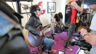 SIXX:A.M. - Life is Beautiful Live Unplugged @ OUI FM - 01/06/2016