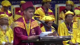 Inspiring and Funny Valedictory Speech Ever