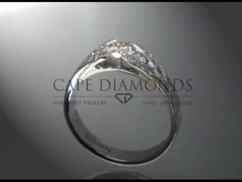 complex side stone ring,round diamond,side stones,engagement ring