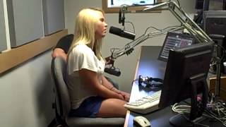 """Rachel Holder """"In Your Arms"""" Live in the 97.5 & 105.9 Cat Country Studio"""