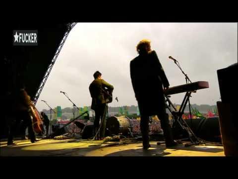 mumford-sons-sigh-no-more-glastonbury-2011-paulotfilho2