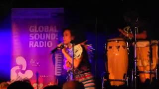 La Yegros live Mülheim/R 4May13 Trocitos de madera