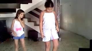 Niñas bailando
