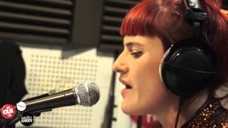 Owlle - Kate Bush Cover - Session Acoustique OÜI FM
