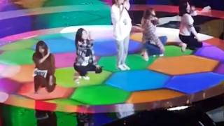 (Song got cut off!) Red Velvet singing Red Flavor LIVE during Rehearsal