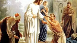Duo misionera una cruz levantada