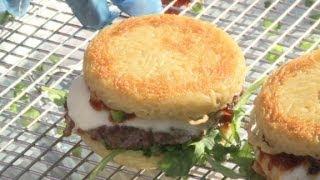 Bite into the ramen burger width=