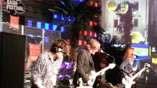 THE DEAF - I'm Not Your Man - live at Reeperbahn Festival Spielbudenplatz 18.09.14
