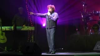 Andy Lee STARS as SIMPLY RED   Holding Back the Years