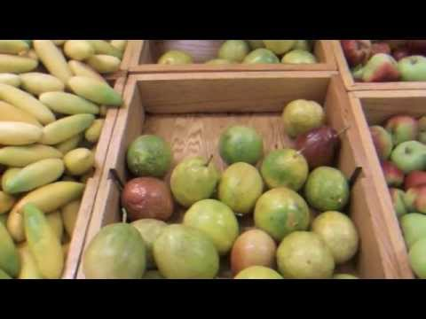 Tour Through the Produce Section of a Ecuadorian Grocery Store