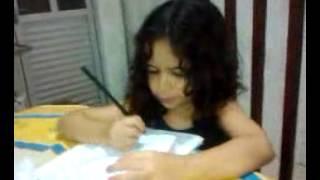 Karolina Feghali na hora do dever de casa !!!