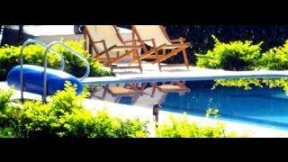Recuerdos: Diomedes Díaz en la piscina de la finca jugando con sus hijas