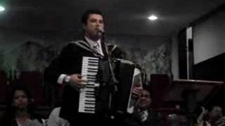 Lenno Maia Canta em Macaé
