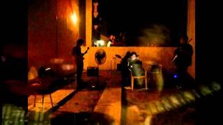 AC/DC - You Shook Me All Night Long [Cover-Paquita en llama]