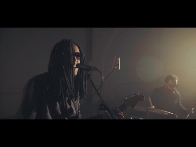 Videoclip ''Drowned'' de Pheromone Blue