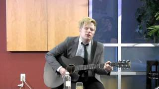 "Patrick Stump ""Let's Get It On"" cover live"