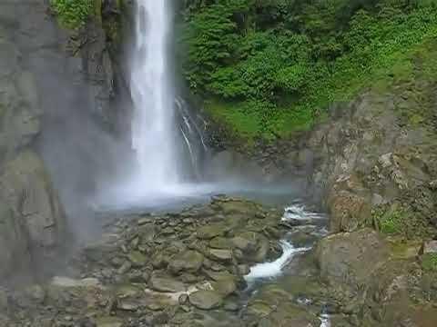 ecuador.cascada machay    robert gibson z