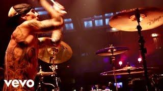 Travis Barker, Yelawolf - Push 'Em