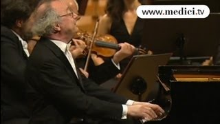 Alfred Brendel - Beethoven - Piano Concerto No. 3 - 2nd movement Largo