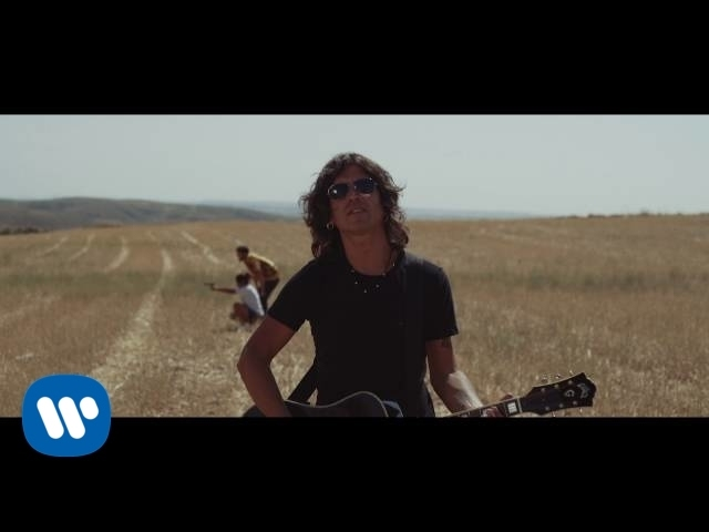 """Videoclip oficial de la canción """"Me Gusta"""" de Rulo y La Contrabanda."""