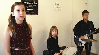 Children Medieval Band - Something Going On (by Frida)