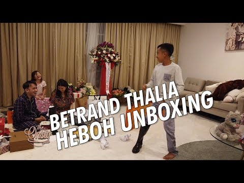 Download Video The Onsu Family - BETRAND THALIA HEBOH UNBOXING !!