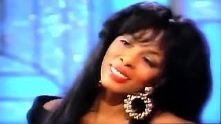 Love's About To Change My Heart - Donna Summer (Live)