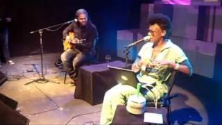 Bluetooth - Thalma de Freitas e Gabriel Moura :: Live P.A. 07/05/11 CCBB Brasília