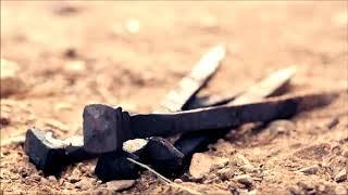 martelo e trovão da crucificação