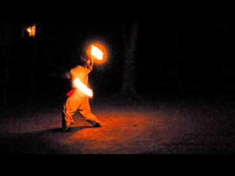 Nepal, Park Chitwan, taniec z ogniem