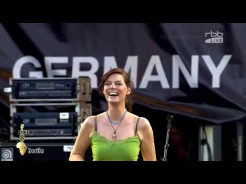 juli-perfekte-welle-live-at-live-8-berlin-hans3004
