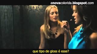 """Beijo lésbico em """" a colega de quarto"""""""