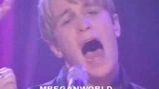 Kian singing Swear It Again